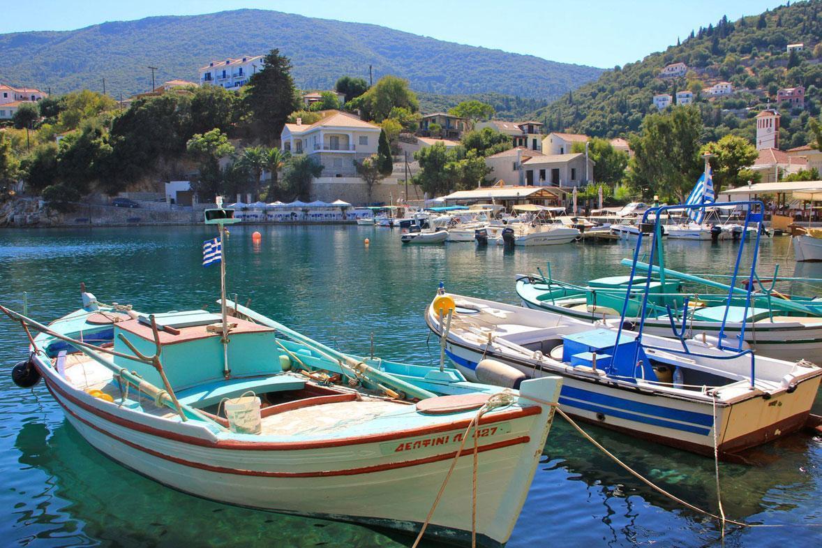 הפלגה בים היוני