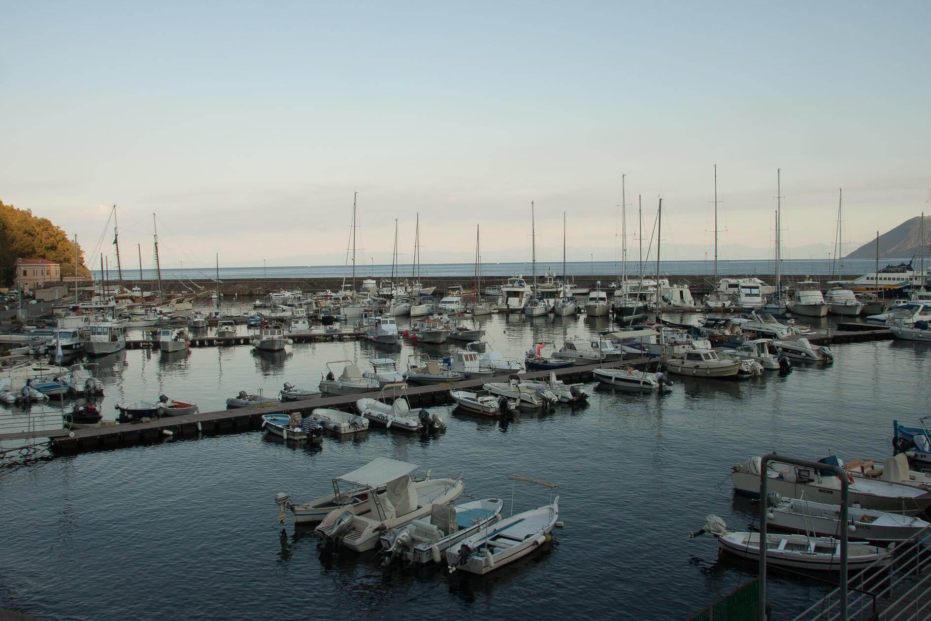 נמל בהפלגה לסיציליה