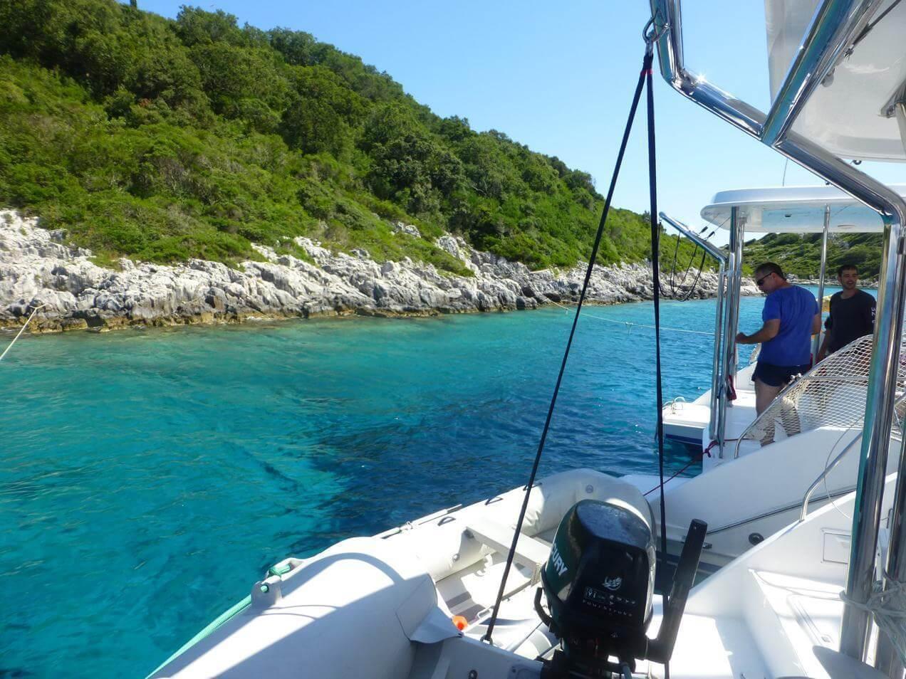 הפלגה לקורפו ביוון - דייג