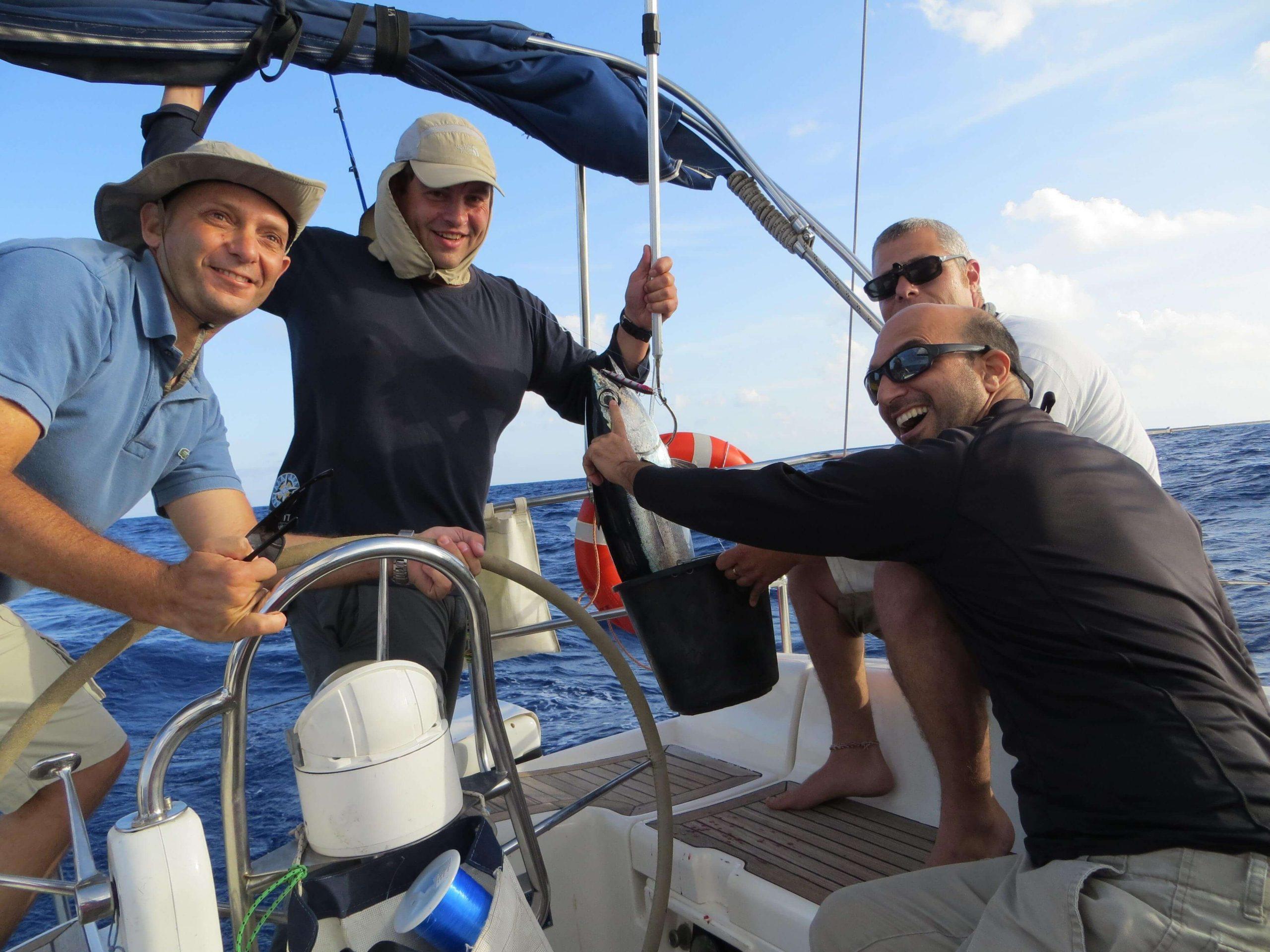 דייג בלב ים בקפריסין