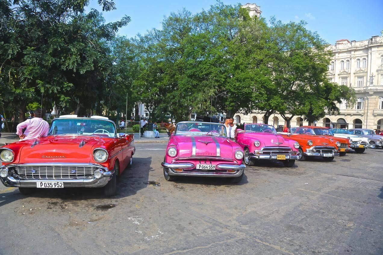 הפלגה לקובה - סיור רגלי ברחובות