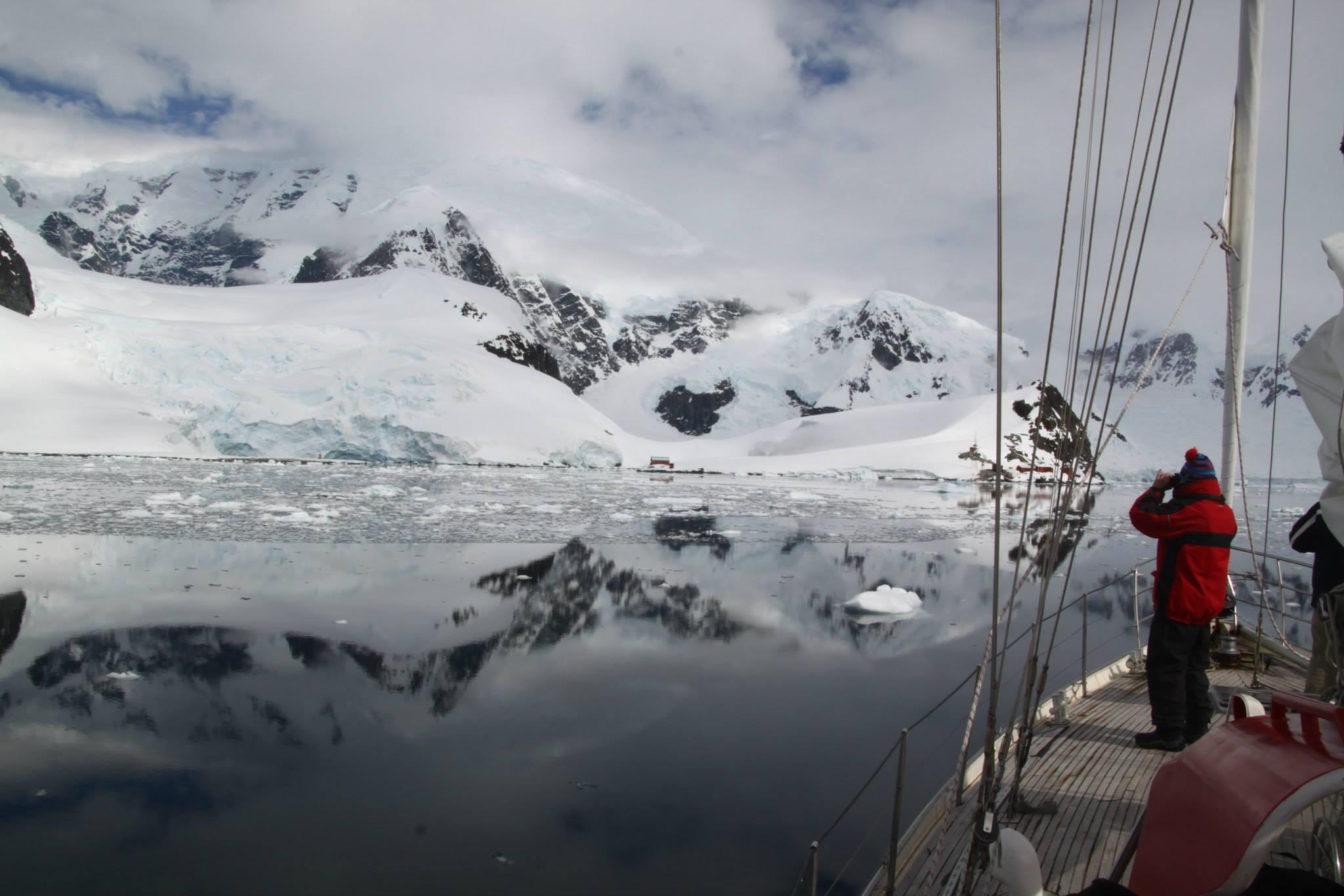 שייט באנטרקטיקה - קרחונים - דרך הים