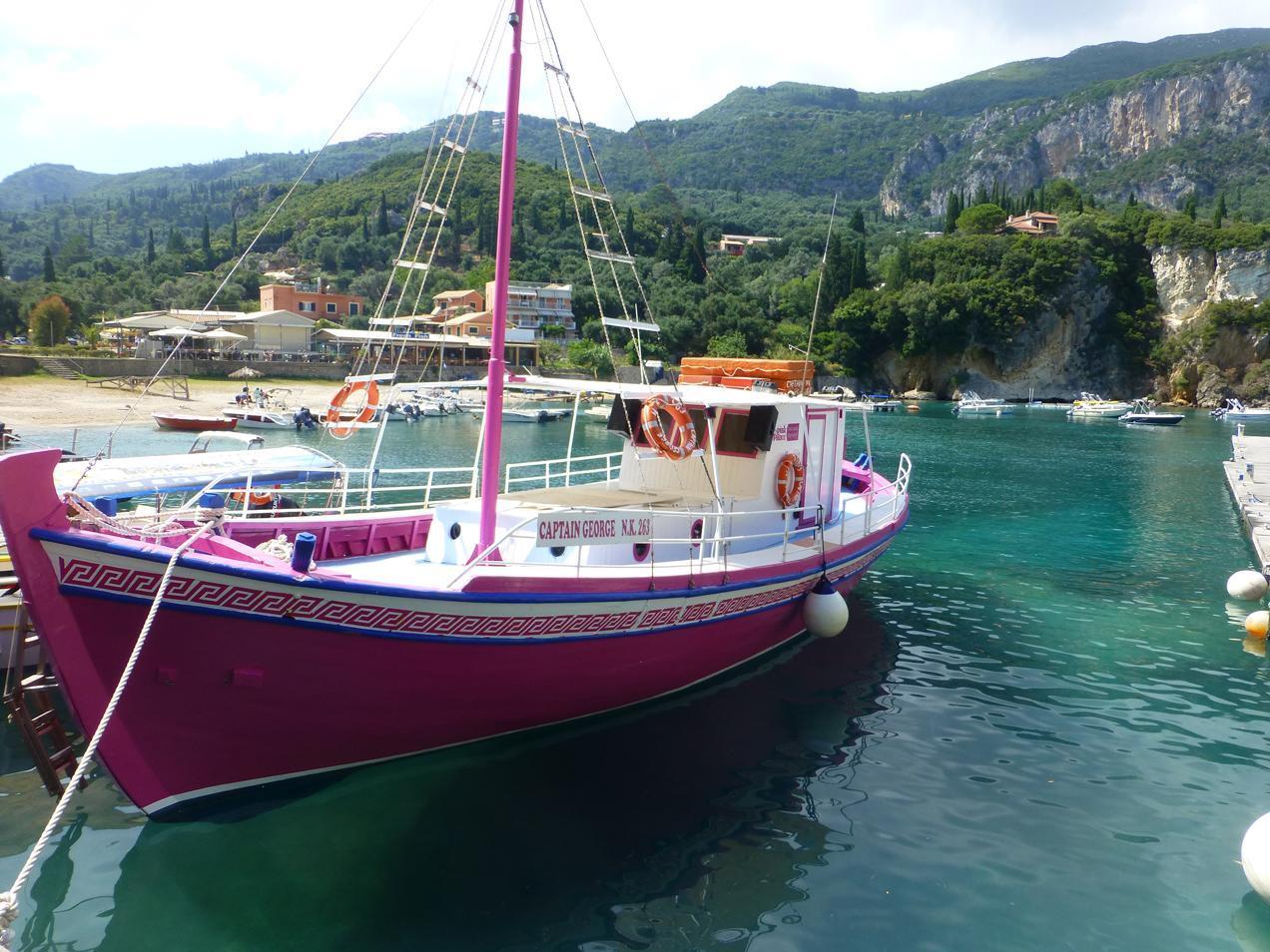 הפלגה ליוון עם דרך הים - עם יאכטה כזאת לא תרצו לרדת לחוף