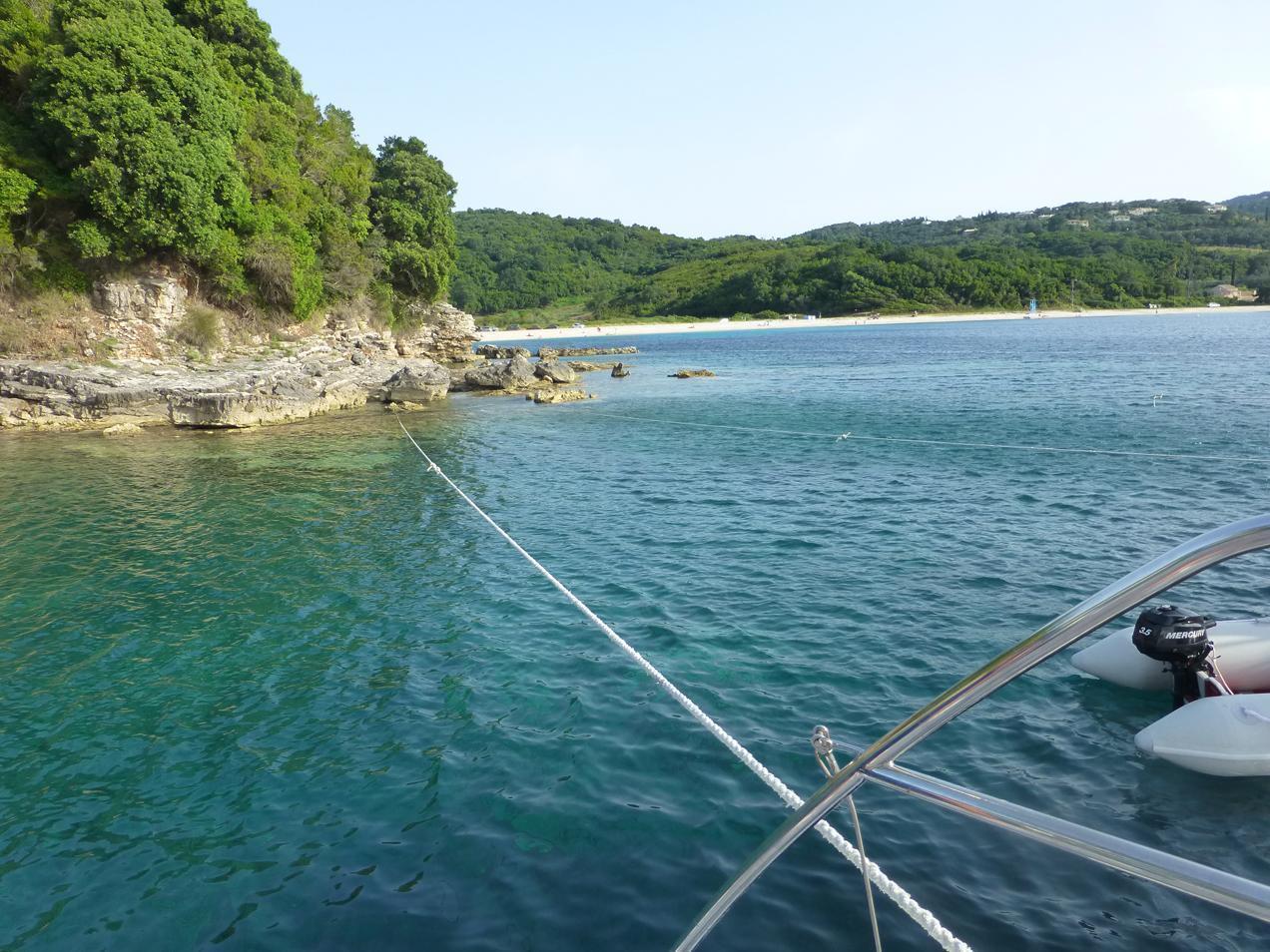 הפלגה ליוון עם דרך הים - עגינת היאכטה בריפים מרהיבים