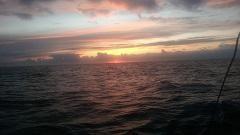 שקיעה בזמן הפלגה