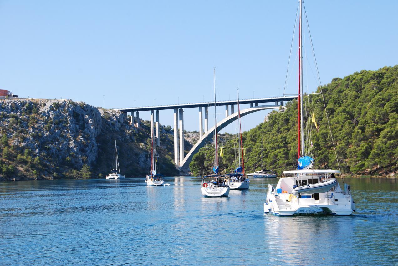 הפלגה בשמורת הטבע קורנטי ( קרואטיה) - נופים מרהיבים | דרך הים