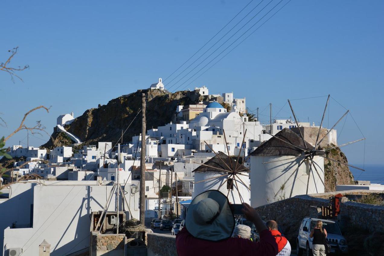 בתים לבנים - הפלגה ליוון