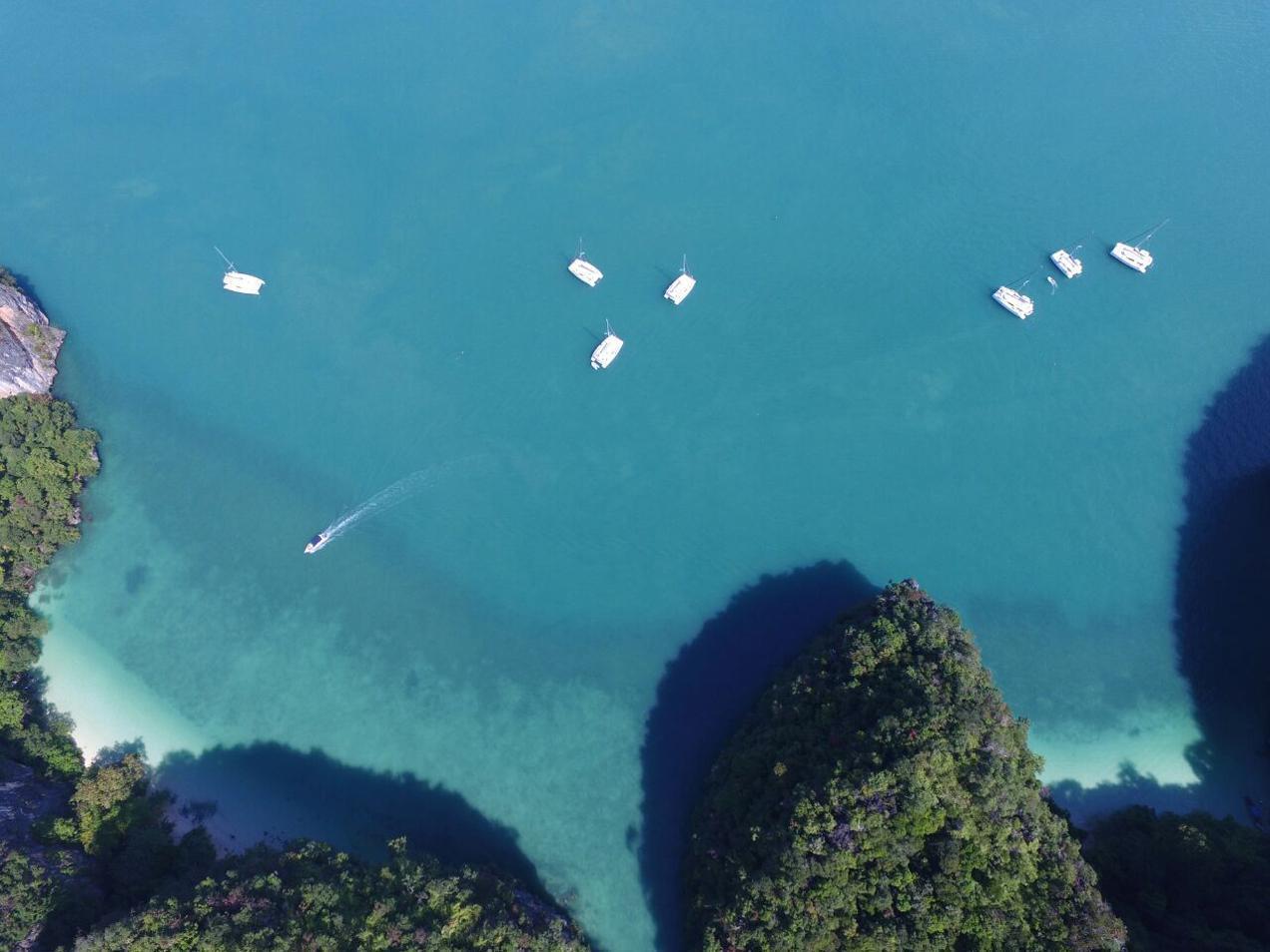 צילום מלמעלה על מפרץ פוקט