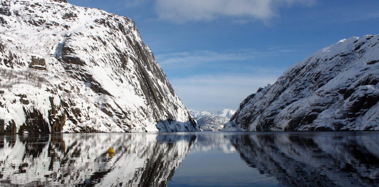 הפלגות גיאוגרפיות - שייט בצפון נורווגיה - שילוב של מיים שלג ושמש - דרך הים
