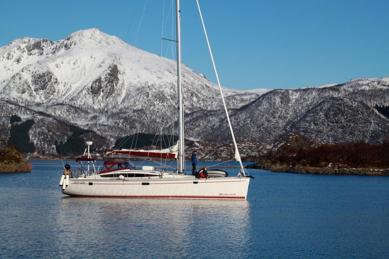 הפלגות גיאוגרפיות - שייט בצפון נורווגיה -נוף הררי - דרך הים