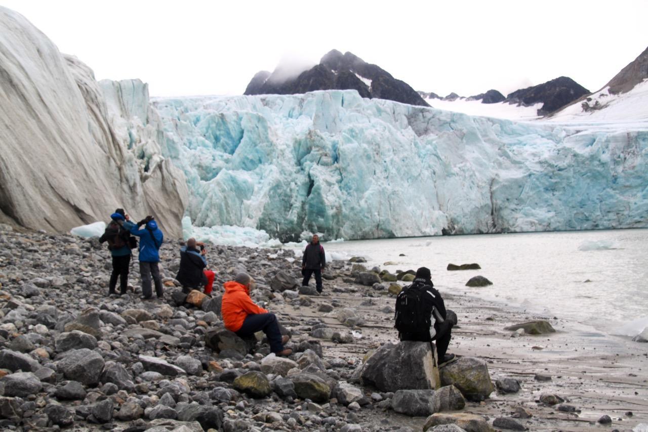 הפלגה לבסבאלבר - קרחונים עצומים - דרך הים