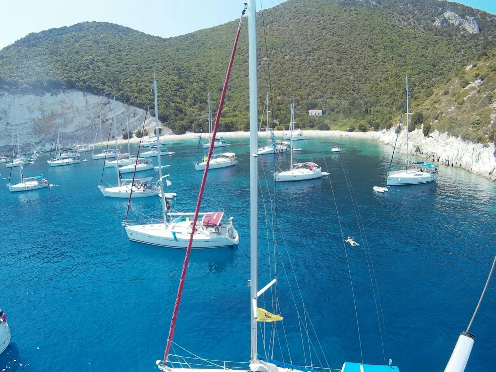 סירות בים יוון