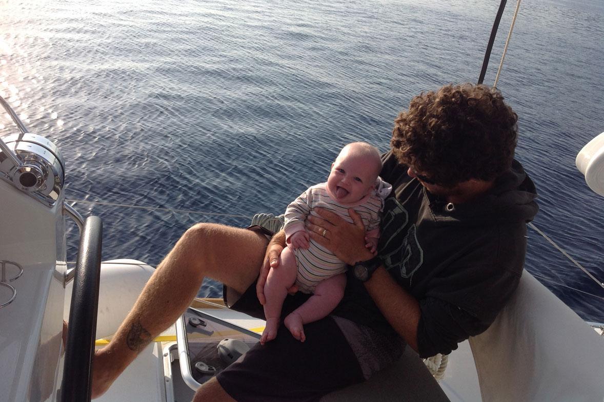 עם תינוק על הסיפון