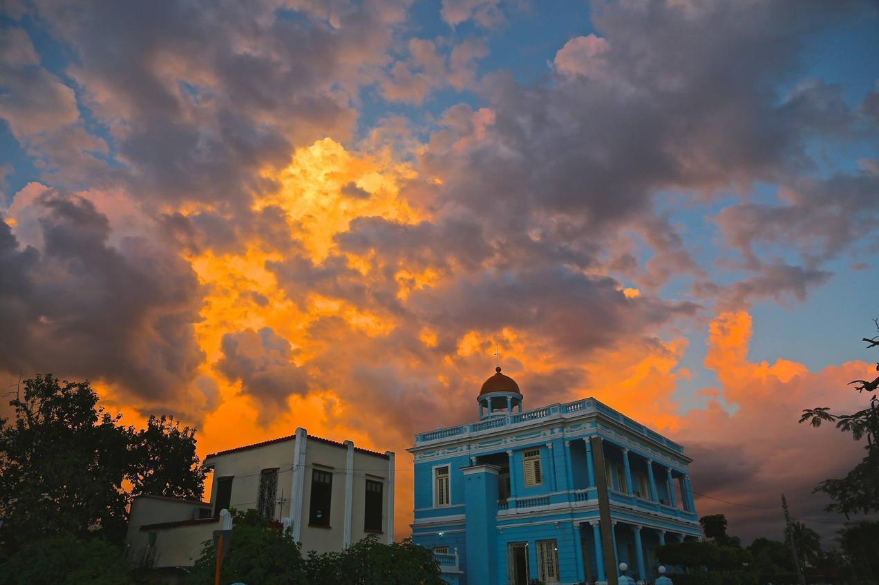 הפלגה לקובה עם דרך הים - שקיעה מרהיבה