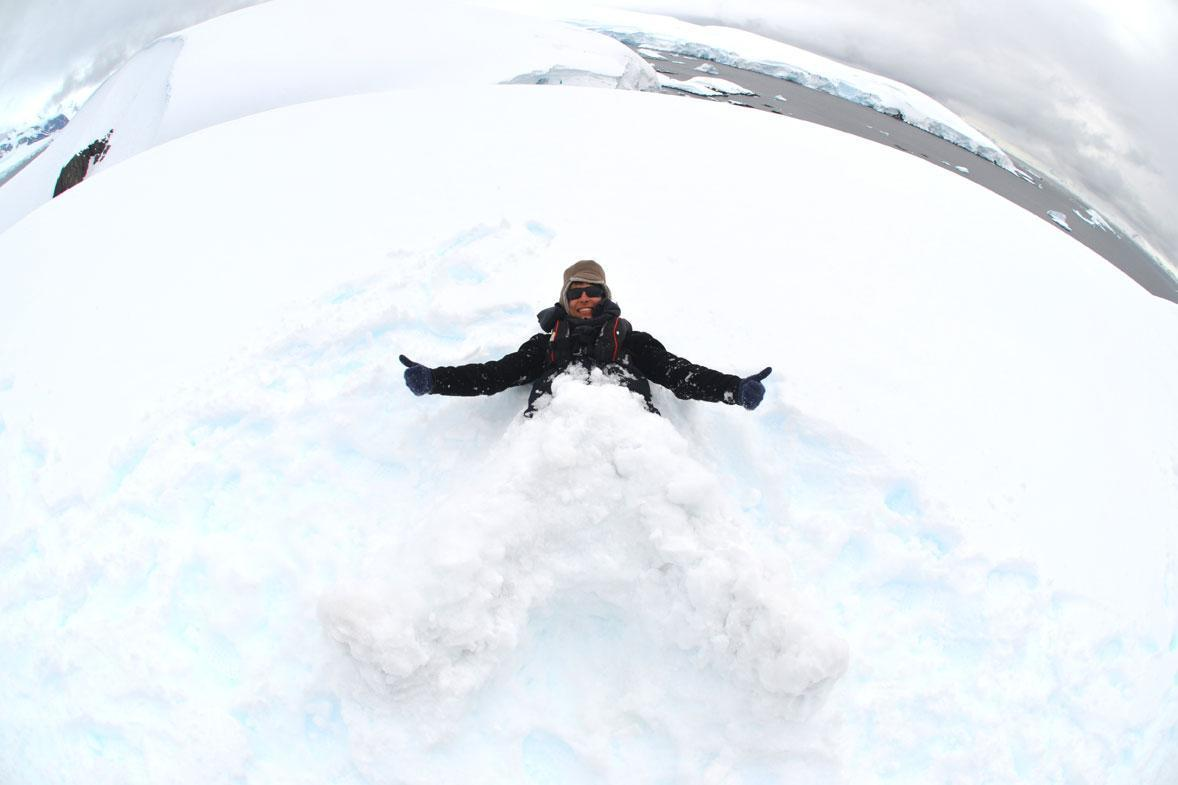משתעשע בשלג
