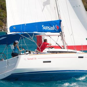 מונוהל Sunsail 38 מודל 2017