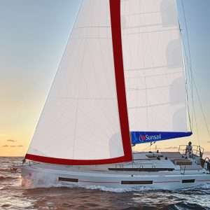 מונוהל Sunsail 44 מודל 2020