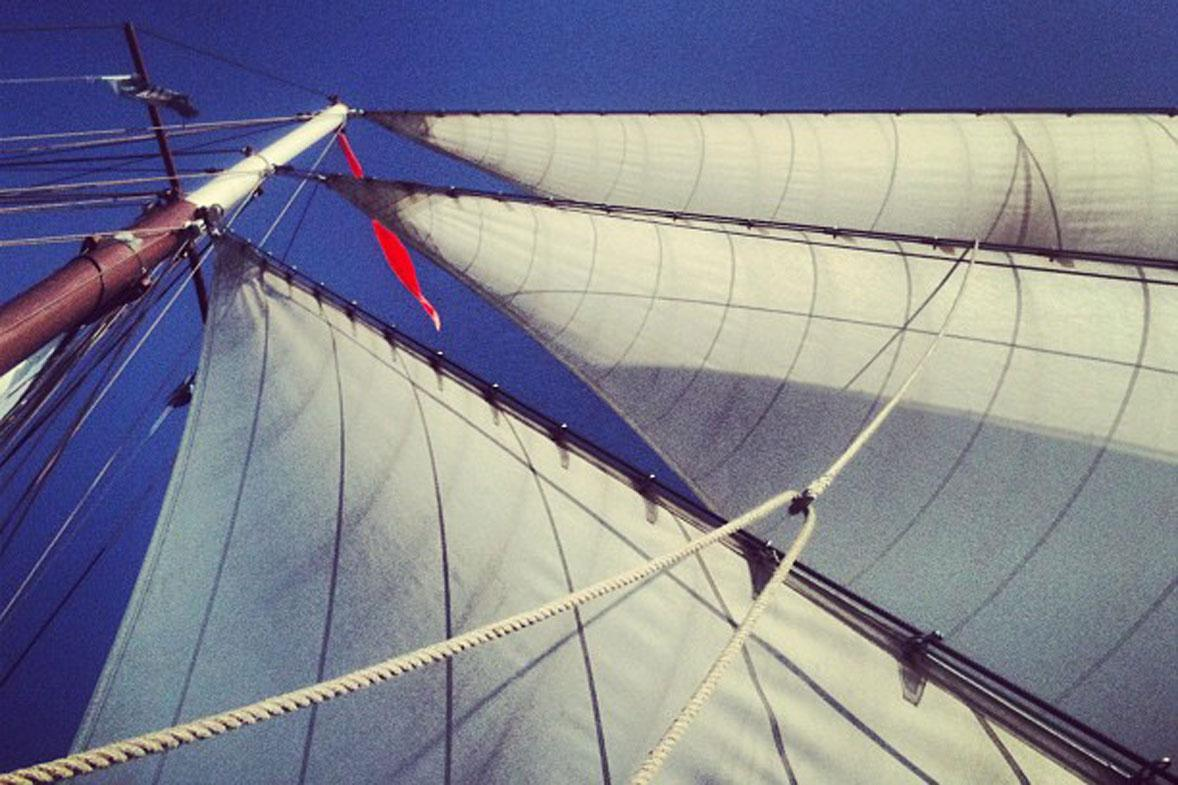 שייט ב Tallship, הפלגת צוות דרך הים בים הצפוני