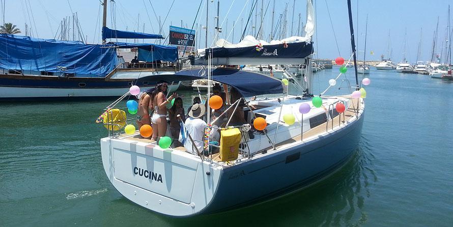 מועדון השיים של דרך הים - יאכטות להשכרה : קוצינה, מישל הנזה 385